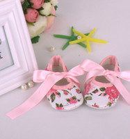 Wholesale Baby Crib Shoe Sizes - Infant Baby Girls Zebra Crib Ribbon pre walking shoes Green snowman baby shoes Infant Walking shoes 120pairs Melee