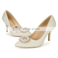 2015 Novos sapatos de casamento de design com imitação de pérolas de pérolas de salto alto Custom Made Ivory Woman's Party Prom Evening Evening Shoes LSDN1502