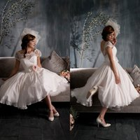 2015 Vintage Crew Neck Capped Sleeves Sheer Tea Length Wedding Dresses with Flower Sash Short Sleeves Chiffon Short Beach Bridal Gown