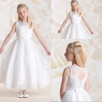 vestidos blancos del desfile para la venta al por mayor-Primera comuníquese con una línea joya hasta el tobillo Apliques de organza blanca con un vestido de desfile de flores para la boda Venta caliente Vestidos de dama de honor jóvenes