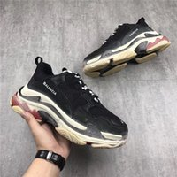 Wholesale Woman S Heels - New Original Unveils New Triple S Running Shoes Man Woman Sneakers Best Quality Mixed Colors Thick Heel Grandpa Trainer Shoes Bad Shoes