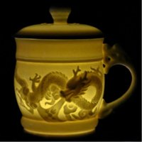 Gros-relief dragon Pure White Porcelain Tea Cup avec couvercle Bone China tasse en céramique