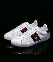 Wholesale Stripe Tops - Personality Luxury Brands designer shoes with top quality genuine leather men women casual sneakers green red stripe bee pineapple pearl