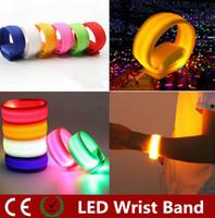 armband licht großhandel-Neuheit-Beleuchtung Nylon-Band LED Flashing Arm-Band-Handgelenk-Bügel-Armband Licht für Outdoor-Sport-Sicherheits-22cm-Partei-Verein Cheer-Nachtlicht