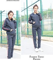 Wholesale fitness sweaters - 2017 winter fitness sports sweater with hat leisure loose warm ladies suit