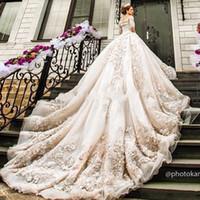 vestidos de noiva muçulmanos venda por atacado-Mangas compridas Vestidos De Casamento De Luxo 2019 Bateau 3D-Floral Apliques De Catedral Trem Plus Size Muçulmano Vestidos De Noiva Vestidos De Noiva Personalizado
