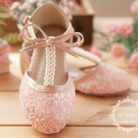 полые туфли оптовых-Милые свадебные туфли для девочек кружево жемчужина с бантом полые на шнуровке цветок девушка обувь бесплатная доставка ну вечеринку формальные события обувь для девочек