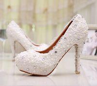 güzel gelincikler topuklu toptan satış-Beyaz Güzel Vogue Dantel Inci Yüksek Topuklar Zarif Düğün Gelin Ayakkabıları Düğün Nedime Ayakkabıları
