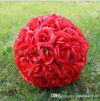 pulgadas rosa roja besando pelota al por mayor-Boda artificial de la flor de seda roja que besa bolas 25 cm Bola colgante de 10 pulgadas para los ornamentos de la Navidad Decoraciones del banquete de boda Suministros