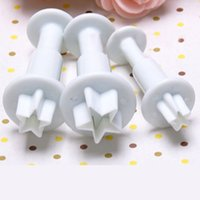 Wholesale Star Cutter Cookies - Christmas Kitchen Tools 3Pcs Set Mini Star Fondant Cake Decorating Plunger Biscuit Cookies Cutter Diy Mold Bakeware Tools