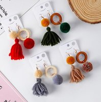 Pendientes largos Stud Tassel Wood ring Asymmetric Ball Pom Poms Fashion Girl Diseños Vintage Handmade Dangle jewery Party Jewelry