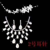 Wholesale Tiara Sets For Bride - Hot Sell Bridal Rhinestone Jewelry Sets Crown Tiara Necklace Earrings Set For Bride Rhinestone Wedding Jewelry Accessories Fast Shipping