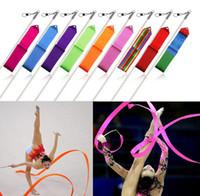 4m ritmik jimnastik şeridi toptan satış-Perakende 4 M Spor Dans Şerit Renkli Ritmik Sanat Bale Jimnastik Streamer Twirling Çubuk Sopa Spor dans Kurdela Hediye 9 Renkler