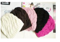 Wholesale Fashionable Winter Autumn Ladies Women Casual Cable Knit Knitted Crochet Acrylic Beanie Hat Cap Color