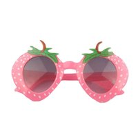 2017 Fashion Kids Girl Glasses Carino Strawberry Occhiali da sole per bambini Ragazzi Ragazze Birthday Party Gift Bomboniere