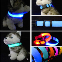 ingrosso ha condotto il collare del cane da compagnia di nylon-Collare di cane a LED in nylon luce notte sicurezza LED lampeggiante Glow Pet Supplies Collari per gatti Pet Accessori per cani per collare piccolo cane LED