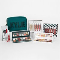 Wholesale Wholesale Boxed Christmas Candy - Kylie Candy Christmas Big Box Cosmetics Holiday Collection Package eye shadow lipstick highlight spice sugar lipkit nice & naughty eyeshadow
