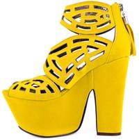 каблуки оптовых-Желтый вырезать сандалии Женская обувь на высоких каблуках Коппи кожаная платформа лето Женская обувь насосы новый дизайн девушки обуви квадратный каблук 15 см сцепления