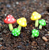ingrosso gnomi da giardino-9pcs mini mestieri della resina del fungo DIY casa delle bambole fata giardino miniature gnomes casa bonasi decor muschio Micro Paesaggio