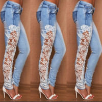 ingrosso jeans laterali-2017 Plus Size Fashion Jeans Azzurro Scava Fuori Pizzo Floreale Cuciture laterali Denim Jeans Denim Sottili Jeans donna S-XL