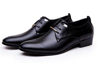 Wholesale Career Wear Tops - New groom's shoes Top brands of designer black cusp shoes wear-resisting handsome Homecoming Men shoes