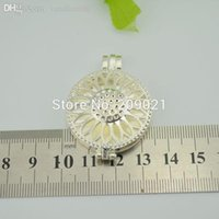 Wholesale-20pcs Locket de la foto del marco Colgantes Hollow girasol redonda plateada plata 44x33mm