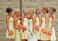 vestidos de casamento amarelo à venda venda por atacado-2015 barato luz amarelo vestidos de dama de honra na altura do joelho vestido de festa de casamento curto sob 100 $ venda quente