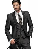siyah takım elbise yelek toptan satış-Damat Smokin Slim Fit Bir Düğme Kömür Gri Best Man Tepe Siyah Yaka Groomsmen Erkekler Düğün Takımları (Ceket + Pantolon + Kravat + Yelek) H751