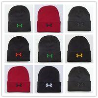 Buona vendita UA uomini e donne cappelli scii in maglia sotto unisex Beanie  Armor cappelli invernali sci morbido cavo lavorato a maglia casuali casuali  ... b0e1724e7de3