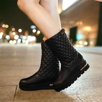 Venda por atacado - Hot Sale New Flat Thick Sole Mulheres Botas de neve Plaid Solid Fashion Warm Plush Lady Boots Preppy Style Meninas Inverno Shoes Big Size