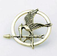 juegos de hambre mockingjay broche pin al por mayor-Best Selling The Hunger Games Broches inspirados en Mockingjay y en Arrow Movie Hunger Games Bird Brooch Pins para hombres y mujeres