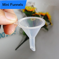 NEW Plastic Mini Small Funnels Para Perfume Liquid 30 * 40mm SGS Óleo essencial que enche garrafa vazia Packing Tool Factory wholesale