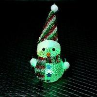acryl beleuchtete schneemann großhandel-Neue Acryl Weihnachten Schneemann Transparent Kristall Bunte Nachtlicht Weihnachtstag LED Beleuchtung Dekorative Lichter für Verkauf