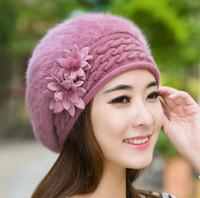 fauxpelz barett großhandel-Blumen-Beret Frauen Faux Pelzbeanie Knitting Hut Crochet Winter-Hut Schnee Warm Slouchy Beanie Schädel-Kappe