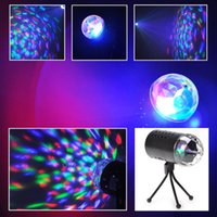 lámpara giratoria completa al por mayor-UE EE. UU. 220 V 110 V 3 W LED a todo color Cristal Activado por voz RGB Luz de escenario DJ KTV LED efectos Disco Bombillas de lámpara Rotación automática
