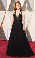 oscar payet elbise toptan satış-88th Oscar Ödülleri Derin V boyun Ünlü Elbiseleri 2016 Julianne Moore Sequins Ile Bir Çizgi boncuklu Grace Siyah Örgün Akşam Partisi Törenlerinde