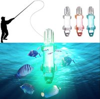 LED Deep Drop Underwater Night Fishing Lures Light Flash Lamp Fishing Atrair Reúna isca Lâmpada OOA3580