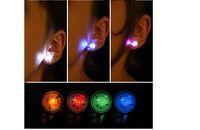 flaş mıknatıs küpe toptan satış-LED Damızlık Flaş Küpe Tokalar Strobe LED Küpe Işıkları Strobe LED Işıltılı Küpe Parti Mıknatıslar Moda Küpe Işıkları için ücretsiz denizcilikte