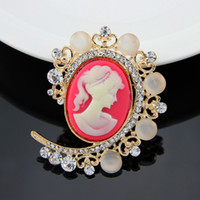 Wholesale Retro Ex - High-end jewelry brand in Europe and America retro small fragrant atmosphere beauty head brooch brooch European and American style palace ex
