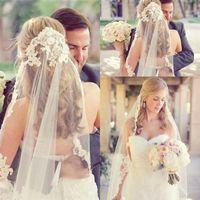 véus de noiva venda por atacado-Nupcial Do Casamento Véus Barato Frete Grátis Lace Vintage Marfim Branco Tulle Wedding Véu de Noiva Cotovelo Comprimento de Uma Camada de Eventos Formal Apliques