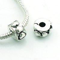 fermoirs anciens plaqué argent achat en gros de-Mode Métal Perles Antique Argent Plaqué Coeur Fermoir Perles En Vrac DIY Européenne Marque Bracelets Accessoires Bijoux