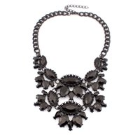 painting gems - 2015 New Baroque Style Black Spray paint Acrylic Gems Flower Vintage Chokers Necklaces Women Statement Jewelry Regalos comunion N2899