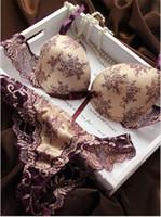 kırmızı dantel sütyenleri toptan satış-Kırmızı / Siyah Fransız Romantik Marka Dantel Nakış Saten Baskı Sutyen ve külot Setleri Seksi Kadın İç çamaşır Seti B, C Fincan