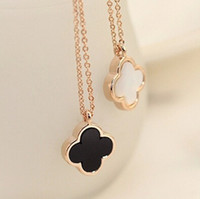 Wholesale Clover Design Necklaces - Shell Clover Design Necklace 18K Rose Gold Plated Natural Double-sided Necklace Black White Lady Pendant Necklaces-J133