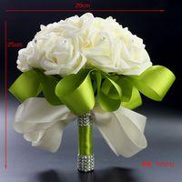 ingrosso crema artificiale-2015 Hot Wedding Bouquet da sposa Decorazione di nozze Artificiale Bridesmaid Mazzi Perline Di Cristallo Fiore Finto Rosa Crema Verde Economico