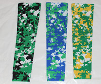 fútbol de neón al por mayor-NUEVO Compression Sports Arm Sleeve Digital Camo Baseball Football Basketball Neon