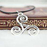 ingrosso collana di argento del lupo teen-Collana Teen Wolf Triskele Triskelion Allison Argent gioielli ciondolo in argento per uomo e donna all'ingrosso EH168