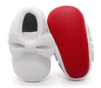 rote schuhe kleinkindmädchen großhandel-Hongteya rot sled Baby Mokassin PU Leder erste Wanderer großen Bogen Baby Mädchen Schuhe Neugeborenes Baby Schuhe für Kleinkind 0-24M