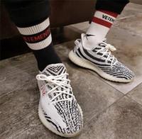 ingrosso moda bianca in strisce bianche-18ss Vetements Calze da basket Red Stripe Calze di cotone nere bianche Skate da skate Hip Hop High Street Sports Calze da uomo di moda HFLSWZ004