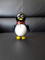 desenho de pinguim preto venda por atacado-Tubos de vidro de 2015 Novo Criativo bonito pingüim cachimbo De Vidro fumar pinguim dos desenhos animados, preto branco costura tubos de vidro